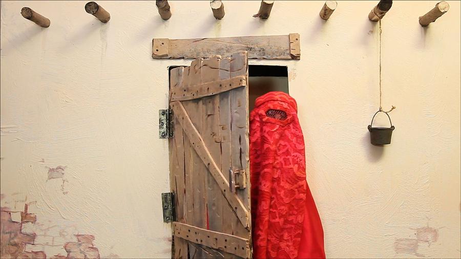 """""""Lady Burka"""", el polémico corto de marionetas, de gira mundial"""